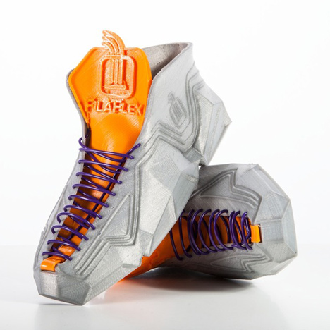 3D-printed-shoes-by-Recreus-scrunch-up-to-fit-into-pockets_dezeen_1sq