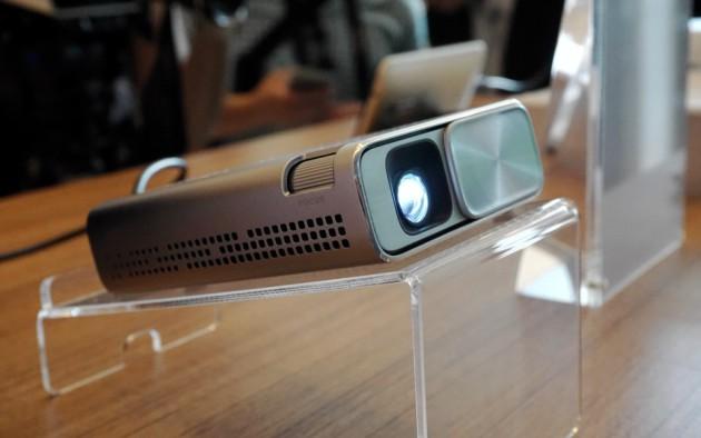 Asus E1z projektor 01