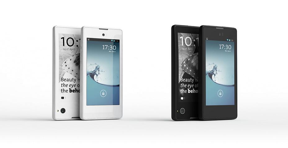 YotaPhone 03