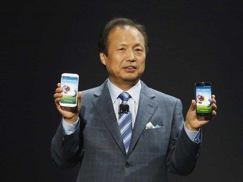 jk-shin-samsung-mobile-ceo-unveils-galaxy-s4-9